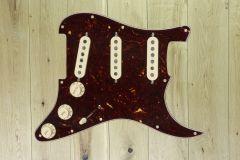 Fender Pre-Wired Strat Pickguard, Custom Shop Texas Special SSS, Tortoise Shell 11 Hole