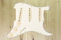 Fender Tex-Mex Pre-Wired Strat Pickguard,Parchment 11 Hole