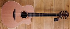 Lowden O22C Cedar / Mahogany