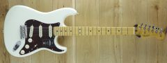 Fender  American Professional II Stratocaster®, Maple Fingerboard, Olympic White US210050276